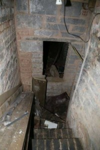 Secret Basement Found in England (13 photos) 7