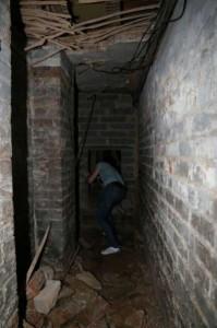 Secret Basement Found in England (13 photos) 9