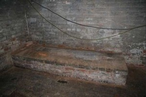 Secret Basement Found in England (13 photos) 12