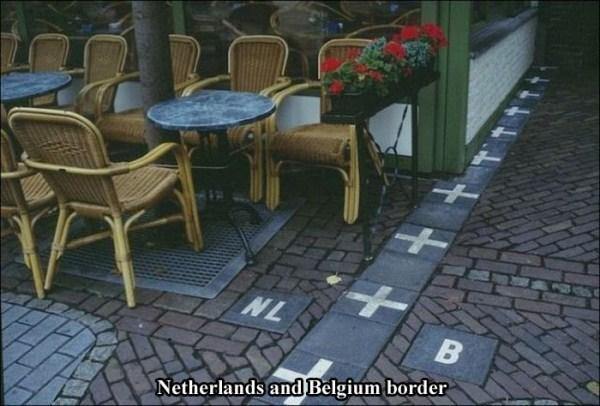 borders (2)
