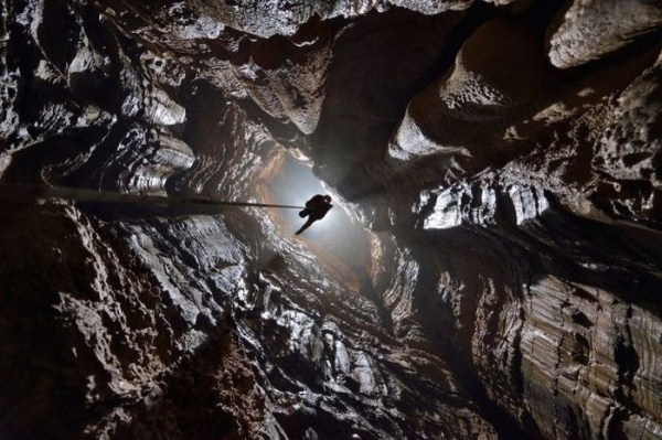 explorers_uncover_an_entire_world_inside_a_cave_04_1