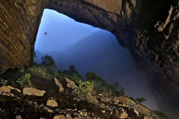 explorers_uncover_an_entire_world_inside_a_cave_09_1