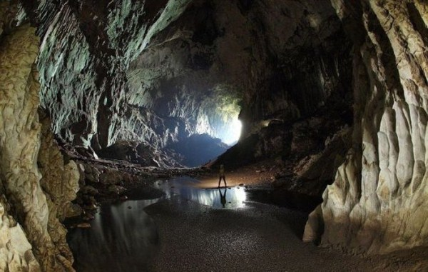 explorers_uncover_an_entire_world_inside_a_cave_12_1