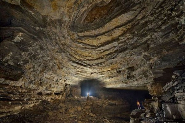 explorers_uncover_an_entire_world_inside_a_cave_15_1