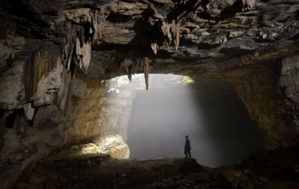 explorers_uncover_an_entire_world_inside_a_cave_17_1