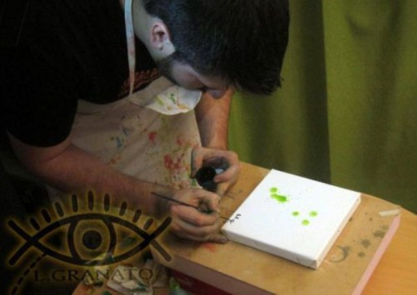 eye squirtingpaint artist 14 Painting with Eyes (26 photos)