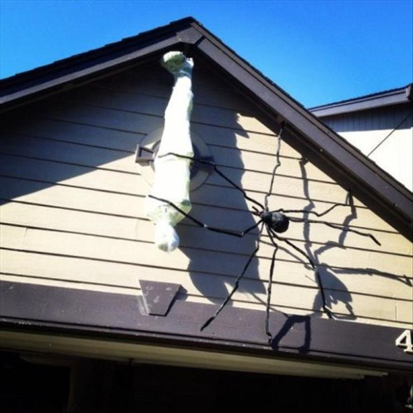 halloween-house-decorations (10)