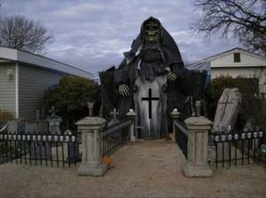 Creative Halloween House Decorations (41 photos) 14