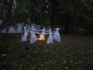 Creative Halloween House Decorations (41 photos) 22
