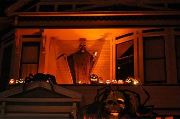 halloween-house-decorations (24)