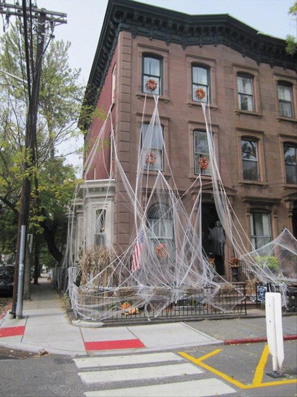 halloween-house-decorations (29)