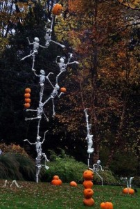 Creative Halloween House Decorations (41 photos) 3