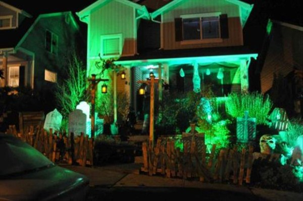 halloween-house-decorations (39)