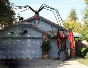 Creative Halloween House Decorations (41 photos) 4