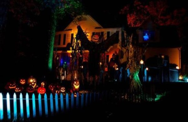 halloween-house-decorations (5)