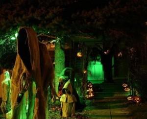 Creative Halloween House Decorations (41 photos) 9