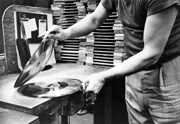 making-of-a-vinyl-record (6)