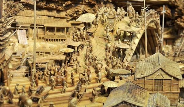 Longest Wooden Sculpture (2)