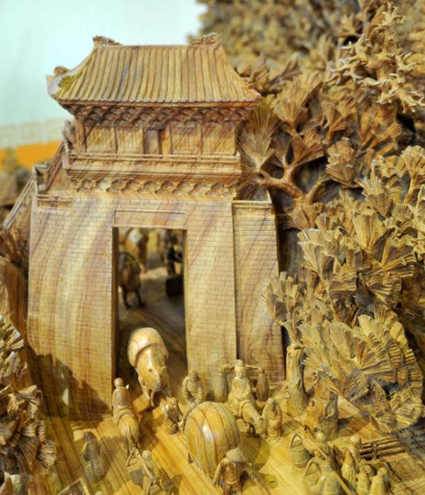 Longest Wooden Sculpture (4)