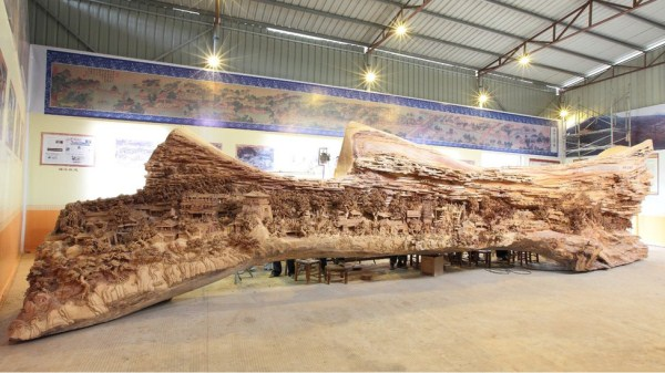 World's Longest Wooden Sculpture (9 photos) 9