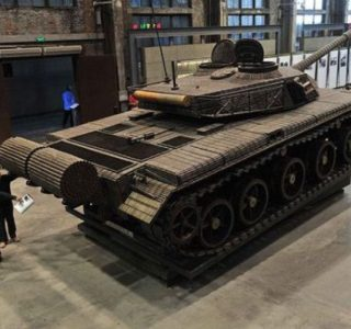 Life-size Tank Completely Made out of Empty Shells (13 photos)