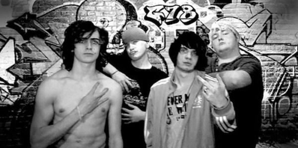 awkward_band_photos_09_1