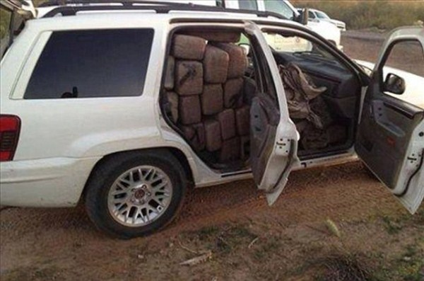 mexican drug cartels now use facebook for publicity 640 04 Mexican Drug Cartel Members on Facebook (17 photos)