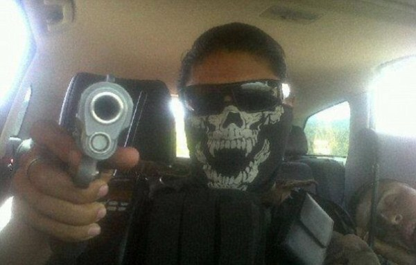mexican drug cartels now use facebook for publicity 640 06 Mexican Drug Cartel Members on Facebook (17 photos)