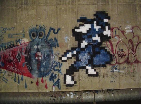 _retro-videogame-8-bit-graffiti_17