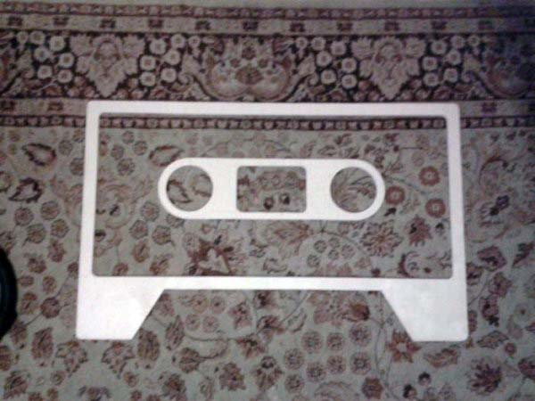 cassette_tape_coffee_table_02_1