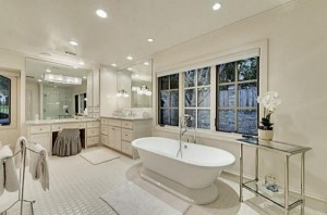 Chuck Norris' House Is For Sale (25 photos) 9