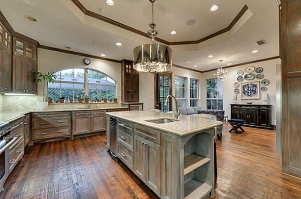 chuck norris is selling his house 15 pictures