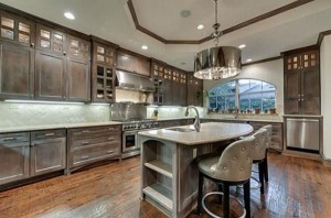Chuck Norris' House Is For Sale (25 photos) 15