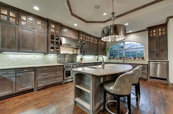 chuck norris is selling his house 16 Chuck Norris House Is For Sale (25 photos)