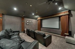 Chuck Norris' House Is For Sale (25 photos) 18