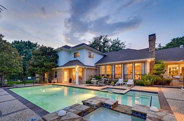 Chuck Norris' House Is For Sale (25 photos) 23