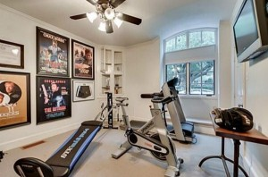 Chuck Norris' House Is For Sale (25 photos) 5