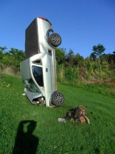 Bizarre Car Crash (7 photos) 5