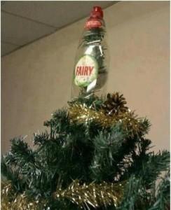 Depressing Office Christmas Decorations (17 photos) 17