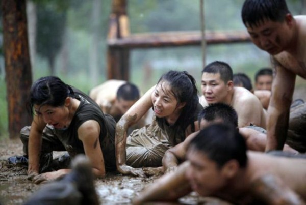 what_female_bodyguards_endure_as_training_in_china_640_11