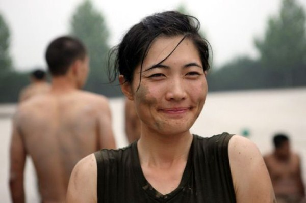 what_female_bodyguards_endure_as_training_in_china_640_13