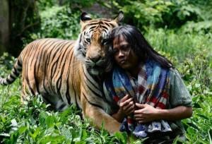 Meet Abdullah Sholeh And His Tiger Mulan (19 photos) 7