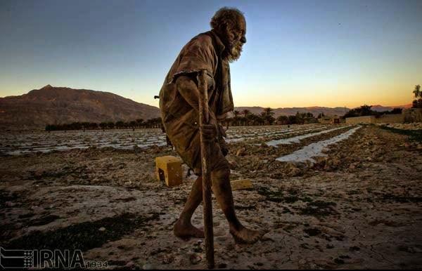 Amoo Hadji 10 This Man Hasnt Bathed in 60 years (12 photos)
