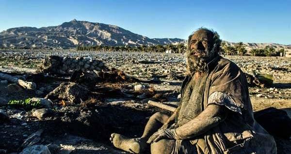 Amoo Hadji 8 This Man Hasnt Bathed in 60 years (12 photos)