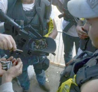 Anti-Cartel Vigilantes in Mexico (20 photos)