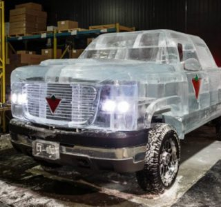 Chevy Pickup Truck Made Of Ice (17 photos)