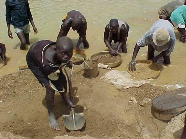 Democratic-Republic-of-the-Congo-slaves