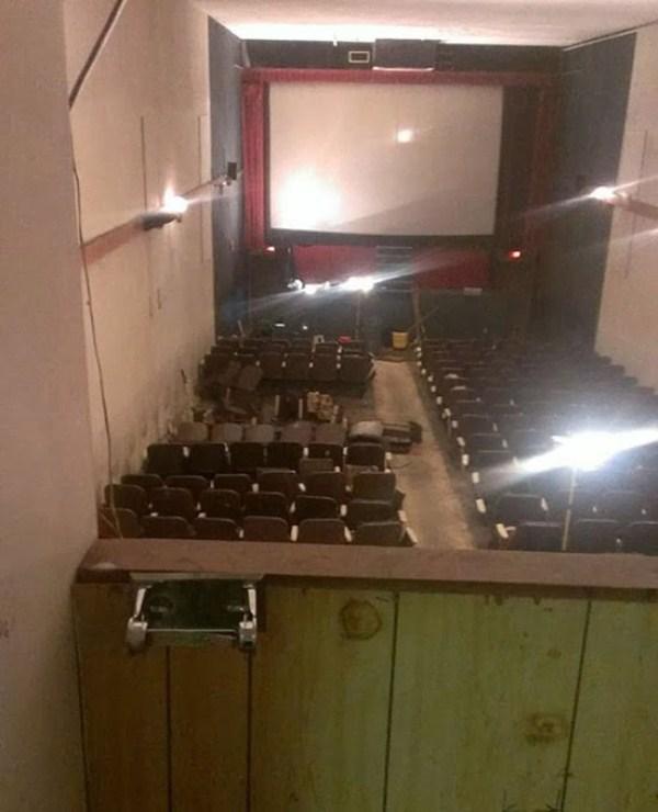 abandoned-porn-cinema (19)