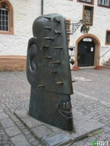 Strange Statues From Around the World (65 photos) 40