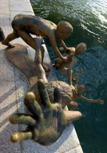 Strange Statues From Around the World (65 photos) 42